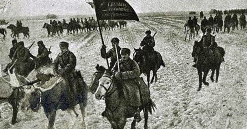 Museon mukaan ratsuväki harjoitteli jo ratsastamista hirvillä, jotka soveltuivat metsässä kulkemiseen paremmin kuin hevoset.