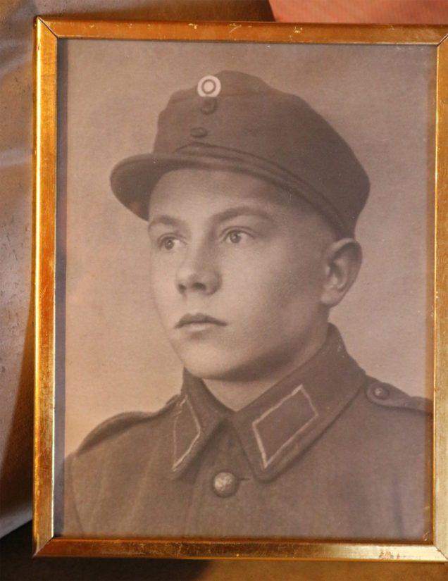 Sotamies Veikko Pärkän rintamapalvelus kesti kokonaisuudessaan kolme pitkää vuotta. Kovista taisteluista huolimatta pyhäjokinen veteraani selvisi kuitenkin haavoittumatta.