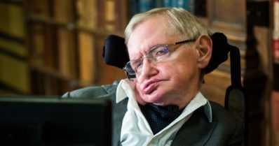 Stephen Hawking popularisoi tieteen – kirjoitti tyttärensä kanssa jopa lastenkirjoja