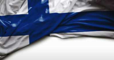 Poliisi kaipaa vihjeitä – ketkä varastivat ja polttivat Suomen lippuja itsenäisyyspäivänä?
