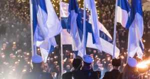 Suomen itsenäisyyspäivää vietetään tutuin ja uusin perintein – tänäkin vuonna juhlitaan aattona