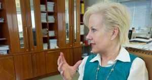 Ugandassa kuolleen suomalaismiehen tapaus tiivistyy – Suvi Lindénin rooli hämmentää edelleen