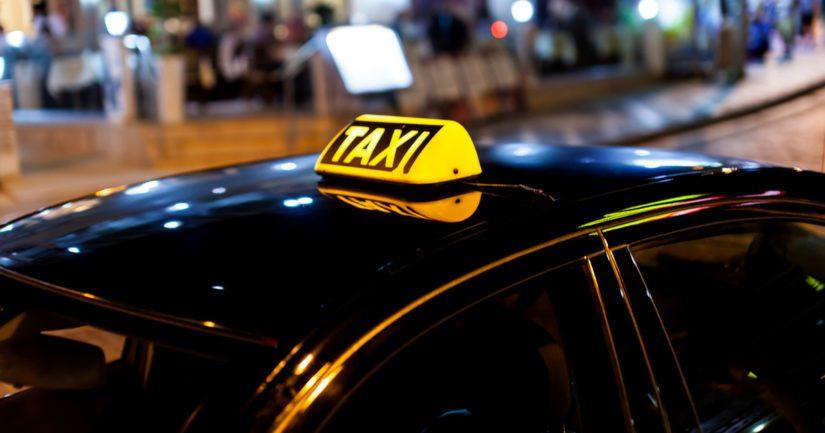 Tamperelaistaksien jonoon oli tullut helsinkiläinen taksi asiakasta odottamaan.