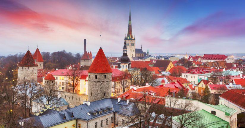 Nimien kääntäminen oli yksinkertainen mutta tyylikäs tapa tuoda tieto Viron satavuotisjuhlista suomalaisiin koteihin.
