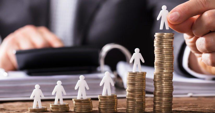 Naisen keskieläke yltää lähes 1 600 euroon, kun mies tahkoaa työuransa aikana lähes 2 000 euron kuukausieläkkeen.