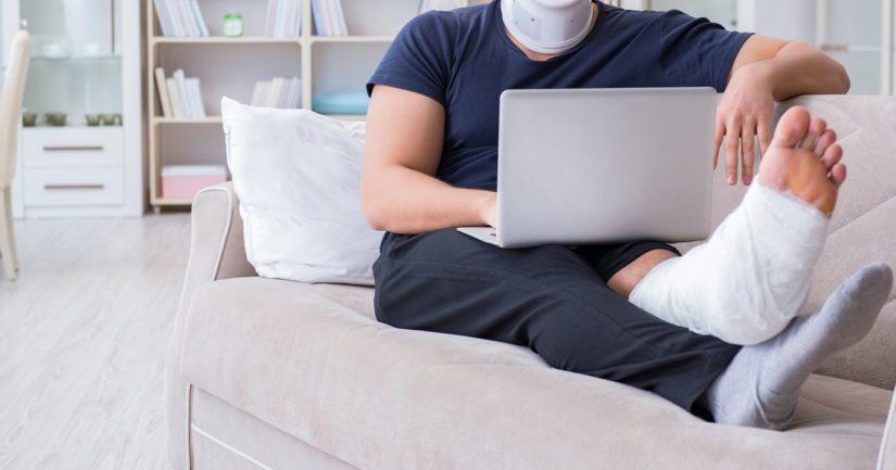 Suurin osan vahingoista aiheutuu, kun henkilö tekee kotonaan jotain muuta kuin itse etätyötä.