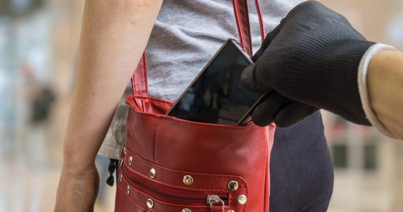 Korujen lisäksi varkaat kärkkyvät myös lompakoita, älypuhelimia, ja varsinkin maksukortteja.