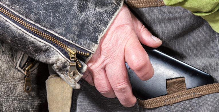 Poliisi varoittaa, että näpistelijät ja varkaat ovat hyvin vikkeliä ja taitavia toimissaan.