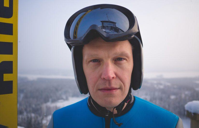 Tatu Mönttinen ei pilkkaa näyttämöllä Matti Nykästä. – Sehän on todella sympaattinen mies, Mönttinen sanoo.