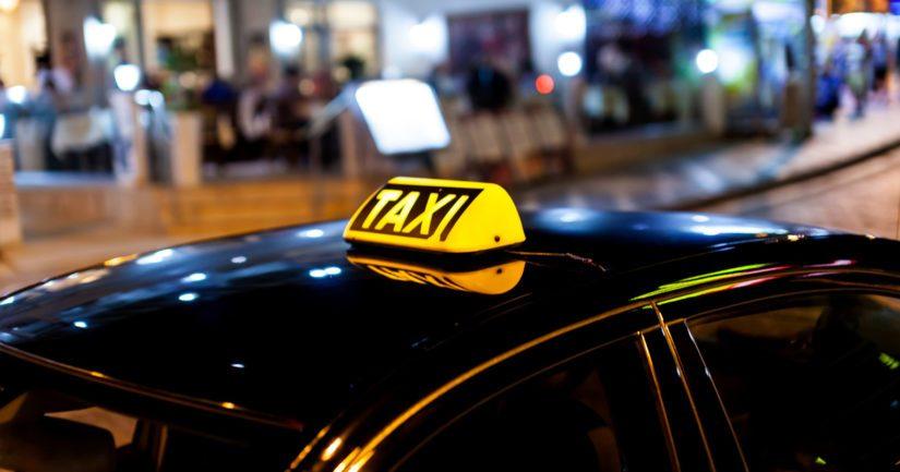 Taksinkuljettajille oli tullut riitaa jonottamisesta eli kenen vuoro oli ottaa asiakas kyytiin.