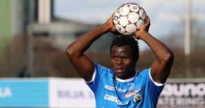 """Taye Taiwo uskoo Nigerian saumoihin jalkapallon MM-kisoissa: """"Ensimmäinen peli on todella tärkeä"""""""