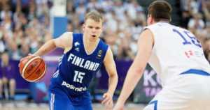 Susijengi kaatoi nyt Kreikan – Suomi jatkaa varmasti EM-pudotuspeleissä!