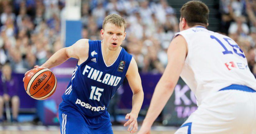 Loppuhetkillä voiton varmistanut kokenut Teemu Rannikko itse päätti pelin summerin soidessa heitettyyn kolmen pisteen koriin.