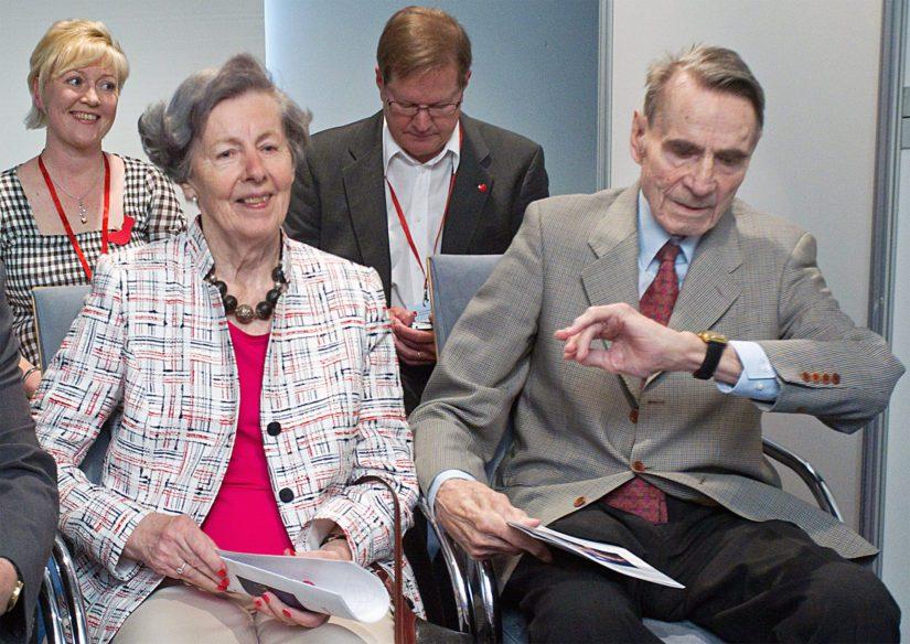 Tellervo ja Mauno Koivisto ovat olleet naimisissa 64 vuotta, tässä vieraillaan SDP:n puoluekokouksessa 2012.