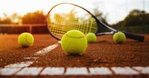 Tennisvalmentaja määrättiin kilpailu- ja toimintakieltoon – epäily seksuaalisesta häirinnästä