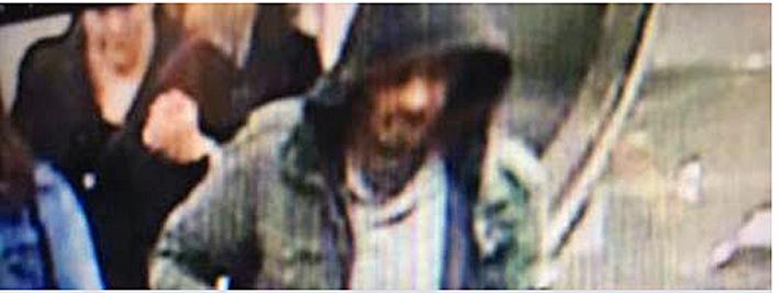 Tiedotusvälineille on annettu kuva henkilöstä, jota Ruotsin poliisi etsii.