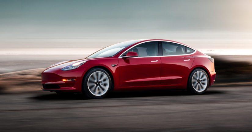 Tesla on yksi sähköautojen tunnetuimpia merkkejä ja alan uranuurtaja.