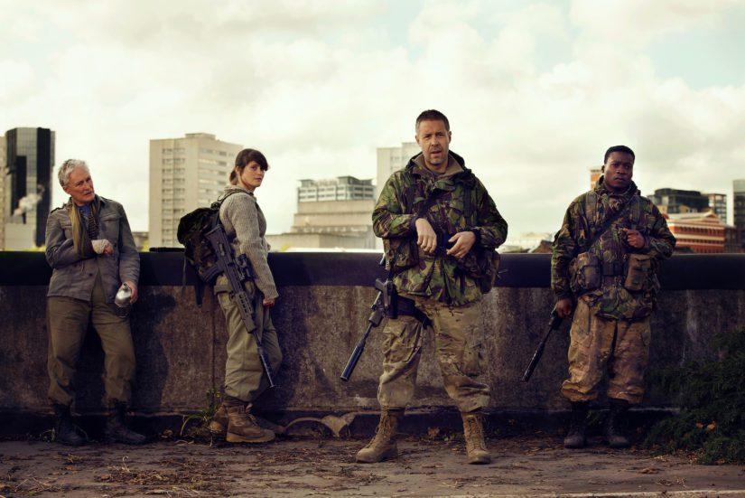 Kersantti Eddie Parksin (Considine) johtama ryhmä yrittää selviytyä zombien autioittamassa Lontoossa. (Kuva Cinema Mondo)