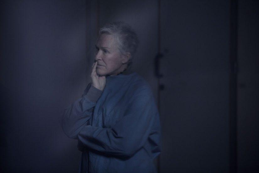 Huikean uran tehnyt Glenn Close esittää yhtä elokuvan avainhahmoista. (Kuva Cinema Mondo)