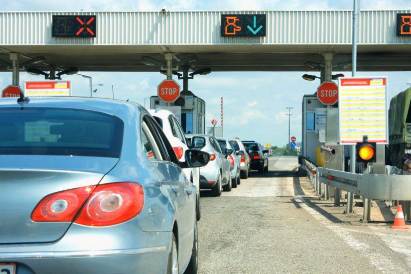 Liikenneministeri ajaa tieverkoston yhtiöittämistä, tietulleja sekä seurantasirujen sijoittamista autoihin.