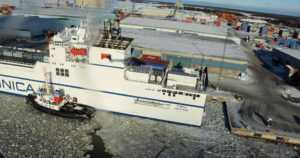 Rahtialus ajoi karille Raumalla – alus sai pohjakosketuksessa vuodon ja konehuoneeseen tuli vettä