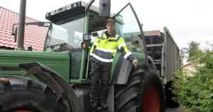 """Timo oli työttömänä kaksi viikkoa ja osti käytetyn traktorin – """"En nirsoile, ahnehdi enkä tuijota kelloon"""""""