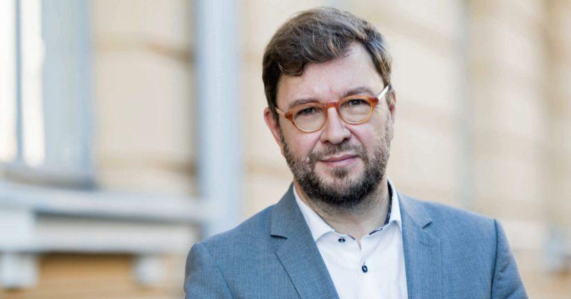 – Palvelut turvataan, kun aktiivimallin leikkuri puretaan, sanoo työministeri Timo Harakka.