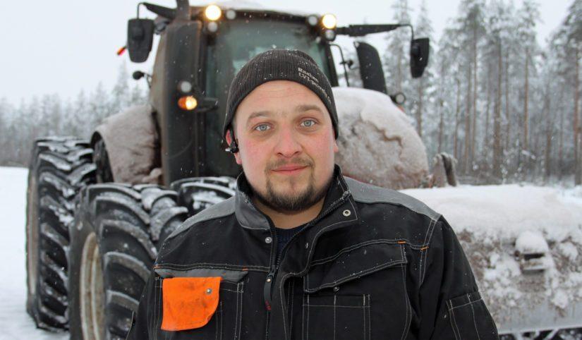 Timo on kehittänyt palvelumuodon, jossa hän urakoi tarvittaessa myös asiakkaiden omilla koneilla. – Esimerkiksi kylvöpuolelle tulee itseltä mies ja traktori ja työkone tilalta.