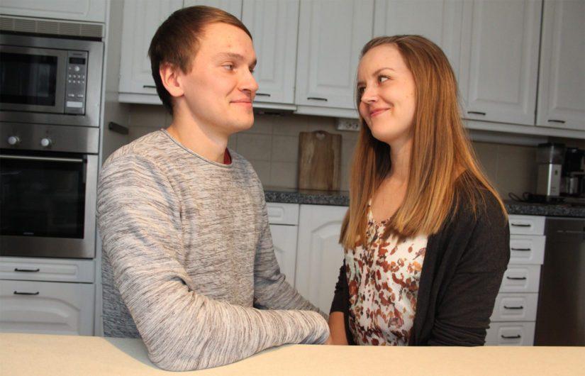 Erityisopettajana toimiva Laura-puoliso antaa kaiken tukensa Tommille ja tuleville hankkeille. – Nyt on Tommin vuoro toteuttaa unelmiaan ja saada lisäpotkua elämäntyölleen, Laura sanoo.