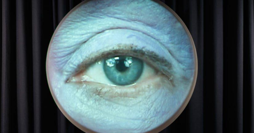Tony Oursler, Lens Flare Eye / Linssiheijastussilmä.