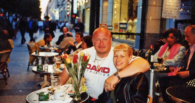 Tony ja Katja Champs-Élysées-kadulla Pariisissa, kun kaikki oli vielä hyvin.