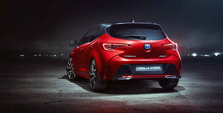 Toyotan uudesta hybridistä ei tullut Auris vaan Corolla.