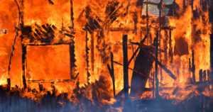 Vakuutusyhtiö lupaa huomattavan palkkion – kuka poltti omakotitalon?