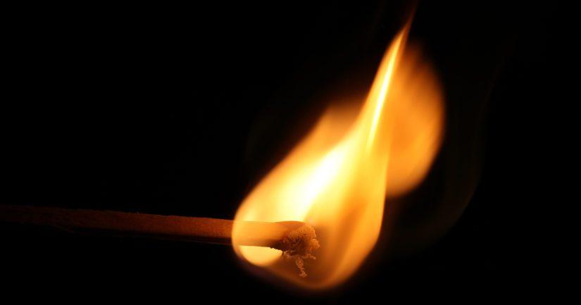 Poliisi sai estettyä palon leviämisen, eikä henkilövahinkoja tai mittavia omaisuusvahinkoja päässyt syntymään.