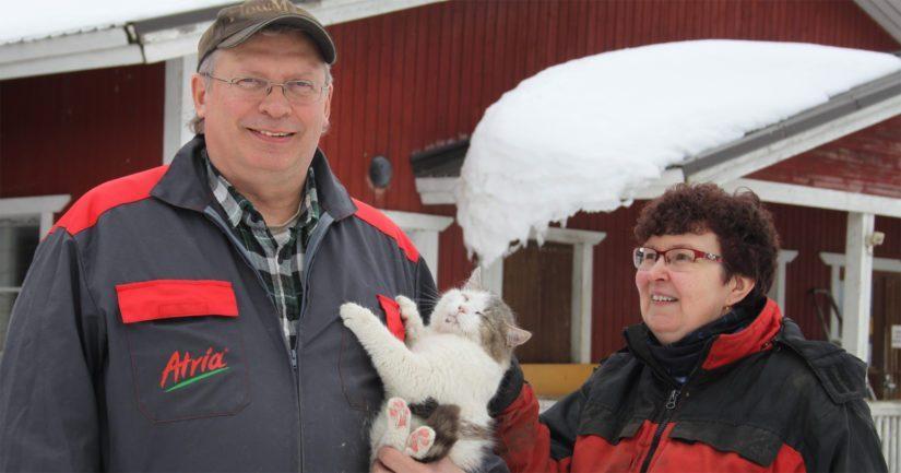 Riitta ja Tuomo Tamminen ovat työnsä ohella myös opiskelleet. Kummallakin on merkonomin paperit ja jätettyään sairaanhoitajan työnsä, Riitta on suorittanut myös yrittäjän ammattitutkinnon.