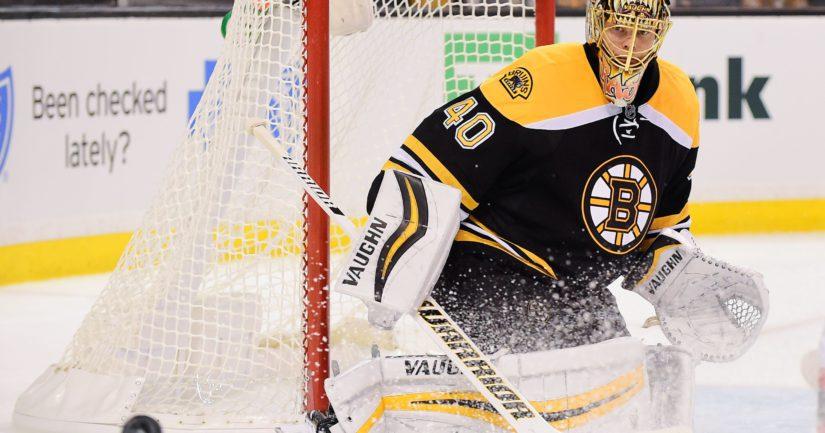 Tuukka Raskin ottelu Bostonin maalilla päättyi loukkaantumiseen.