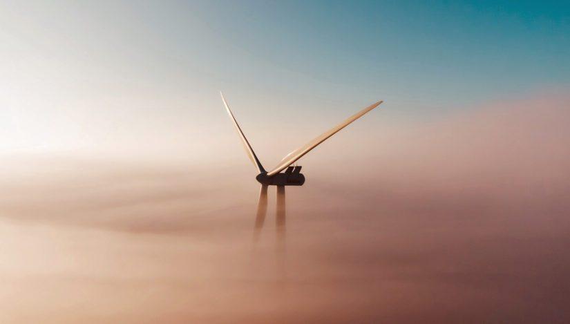 Tuulivoima on yksi ympäristöystävällisimmistä vaihtoehdoista, kun taas kivihiili yksi haitallisimmista.