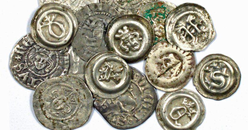 Rahat on todennäköisesti kätketty 1390-luvulla ja ne ovat pääosin peräisin Ruotsista.