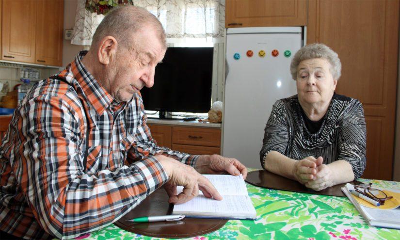 Unto Riihiluoma on tehnyt sääennustuksia myös yhdessä Ritva-vaimonsa kanssa. – Meidän perheessä säätä ennustetaan kolmessa polvessa, sillä myös tytär ja tyttärentytär ovat kunnostautuneet ja myös menestyneet ennustuksissa.