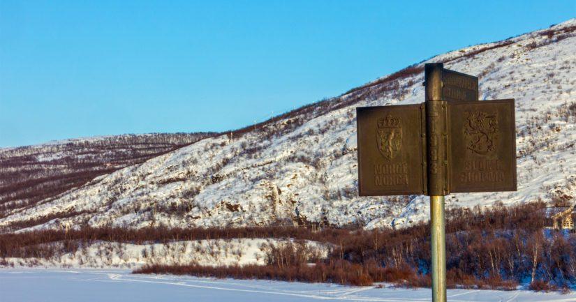Utsjoki on Suomen pohjoisin kunta, Tenojoki virtaa Suomen ja Norjan rajalla.