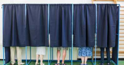 Lentokenttä, paloasema ja yhteysalus toimivat myös äänestyspaikkoina