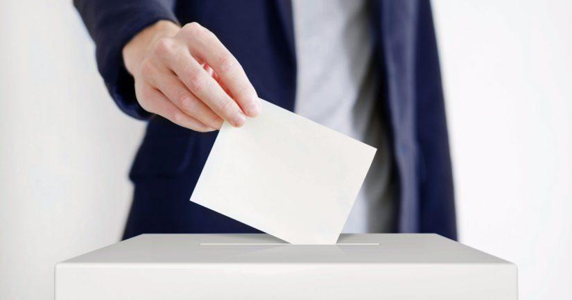 Joka kolmas suomalaisista vaihtaa äänestämäänsä puoluetta kuntavaaleissa
