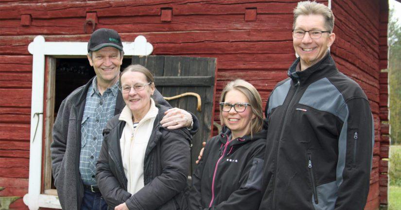 Tuoreesta sukupolvenvaihdoksesta huolimatta Välisen tilalla vedetään edelleen yhtä köyttä. Antti ja Niina saavat tärkeää vetoapua tilan entiseltä isäntäparilta, Liisalta ja Pekalta.