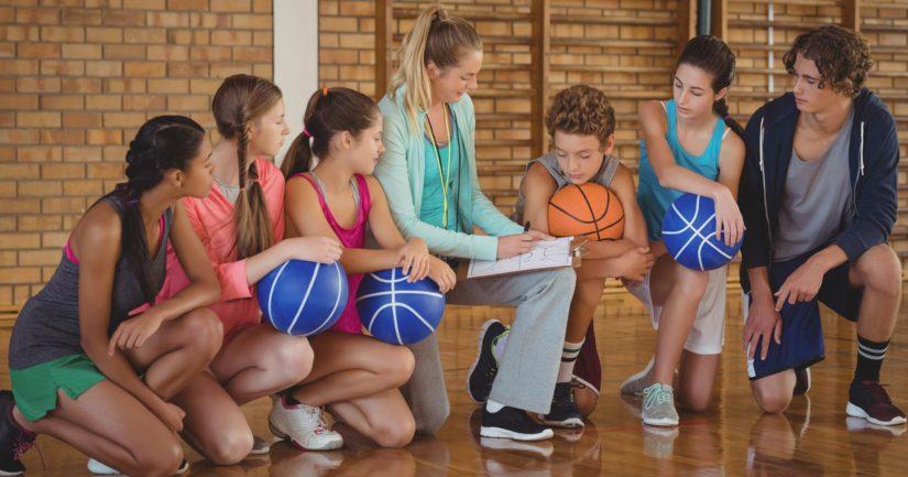 Suurin osa sekä tytöistä että pojista harrastaa liikuntaseurassa jossain vaiheessa lapsuuttaan.