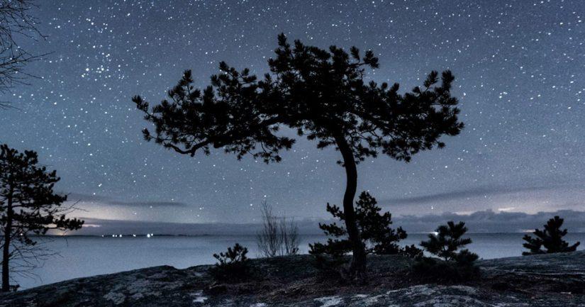 Hiljaisuuden äärellä – observatorion valokuvanäyttely avaa näkymiä avaruuden eri ulottuvuuksiin