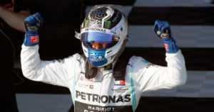 Valtteri Bottas ajoi murskavoittoon F1-avauskisassa Melbournessa –