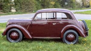 Vaikka se näyttää vanhalta, jo 1930-luvun Opel Kadett oli yllättävän moderni auto. (Kuva Opel)