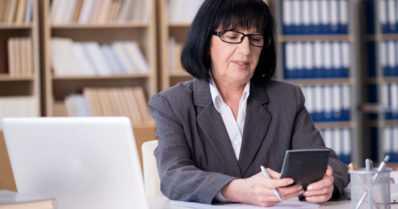 Tutkijat yllättyivät – harvinaisena pidetty aivoverenvuoto on keski-ikäiselle naiselle kohtalokkaampi kuin auto-onnettomuus