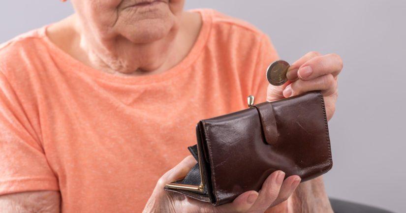 Yli 10 000 ihmiseltä jää kotitalousvähennys kokonaan saamatta ja heistä on eläkeläisiä suurin osa.