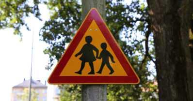 Poliisi muistuttaa – huoltajien kannattaa kävellä koulutie läpi yhdessä lasten kanssa